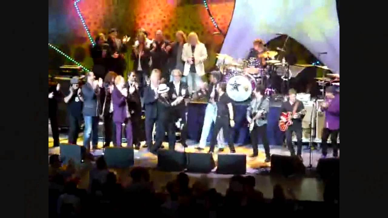 With Little Help From Its Friends Peace >> Ringo Starr S 70th Birthday Concert 22 With A Little Help From My Friends Give Peace A Chance