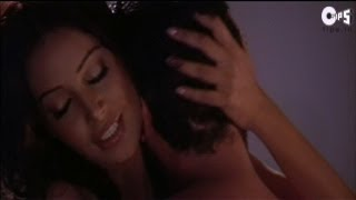 Repeat youtube video Bipasha Basu's Hottest Scene Ever - Really Steamy - Movie Footpath