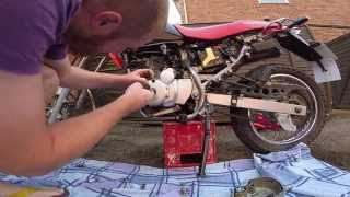XR125 Adjusting the Tappets / Valve Clearance.