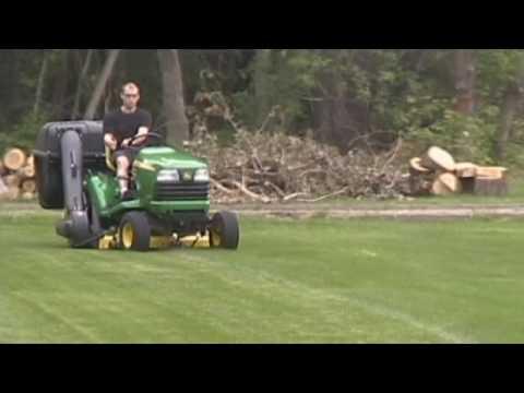Protero Residential Lawn Bagger Leaf Vacuum On John Deere X700 Series You