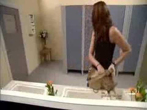 Toilette Bizarre - eine erotische Hypnose von Mistress Voice von YouTube · Dauer:  6 Minuten 12 Sekunden