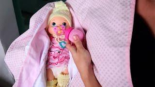 BABYALIVE Bebe Sofia Ganha Roupas e Bebendo Mamadeira com BIA LOBO