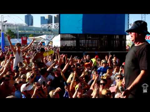 "Daryl Braithwaite ""The Horses"" Live at The Australian Open 2012"