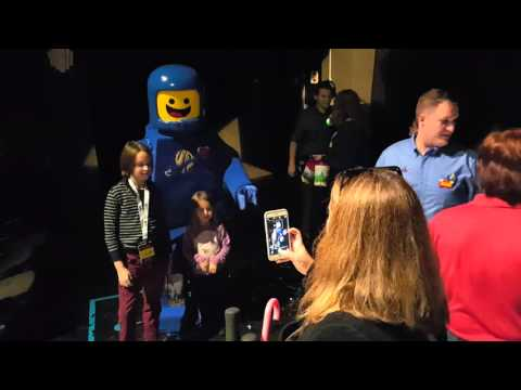Benny from THE LEGO MOVIE makes his debut at LEGOLAND Florida
