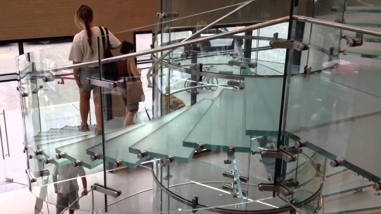 Awesome Glass Staircase   Apple Store