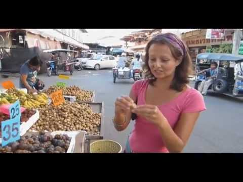 RAW FOOD THAILAND: Fruits of Muang Mai Market, Chiang Mai, Thailand.