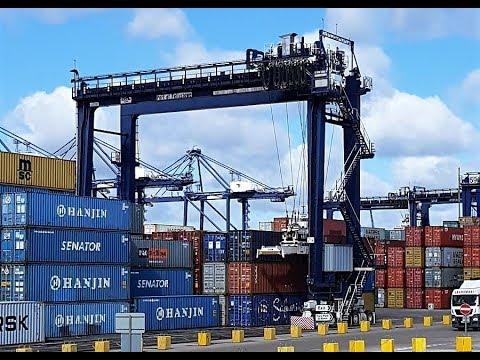 Port Of Felixstowe - ZPMC RTG - Twin Pick Ships Load