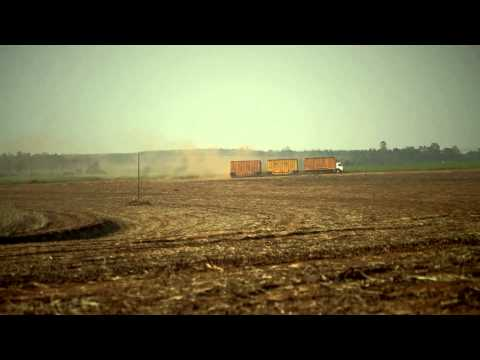 """Volvo Trucks - How to control a """"Penta"""" - a road train with four trailers"""