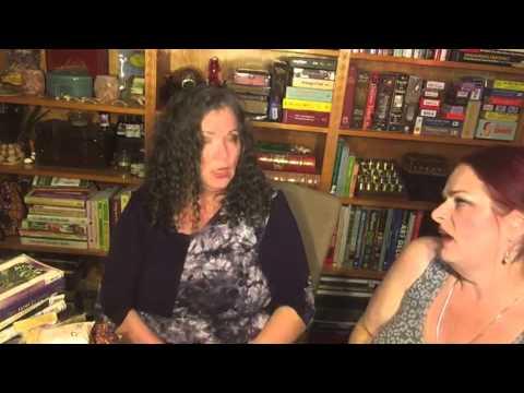 Interview with a Tarot Reader - Arwen Lynch