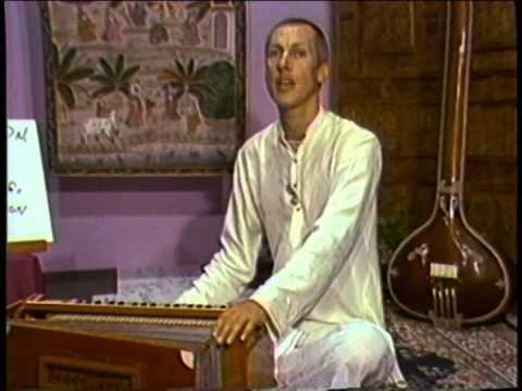 Harmonium lessons with Vaiyasaki Das, lessons 1-4.1