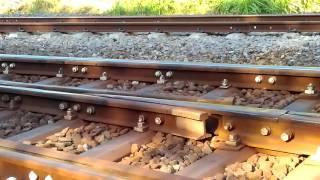 Kereta api masuk jalur wesel