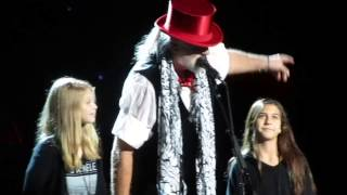 Fleetwood Mac - End of concert speech by Stevie Nicks & Mick Fleetwood - 12-30-2013
