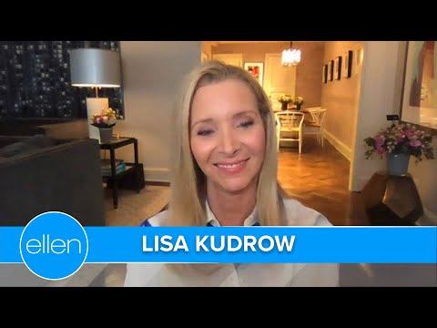 Lisa Kudrow Had to Google 'Smelly Cat' Chords