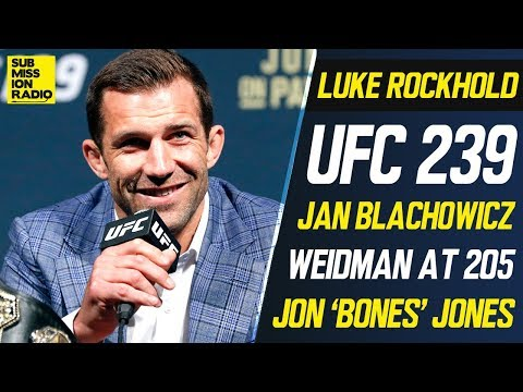 Rockhold: 'I'm gonna take my dibs' on Jones since it's 'foolish' for Cormier to drop back to 205