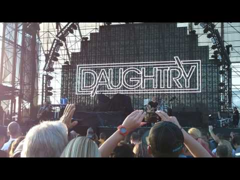 Daughtry waiting for superman Hershey 8 5 2017