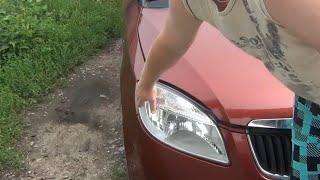 Замена лампочки передних габаритов Skoda Fabia 2