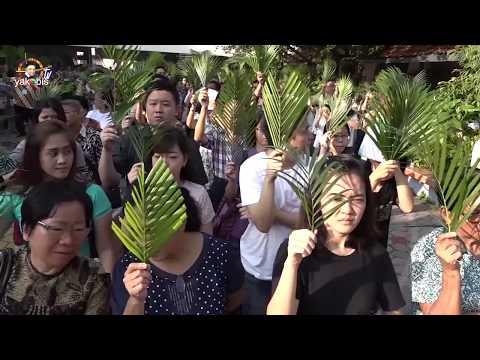Perayaan Minggu Palma di Paroki Kelsapa Surabaya