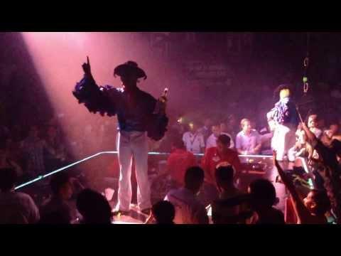 """COCO BONGO - Cancún - La Mascara """"Tequilaaa"""" - YMCA - Final del Show"""