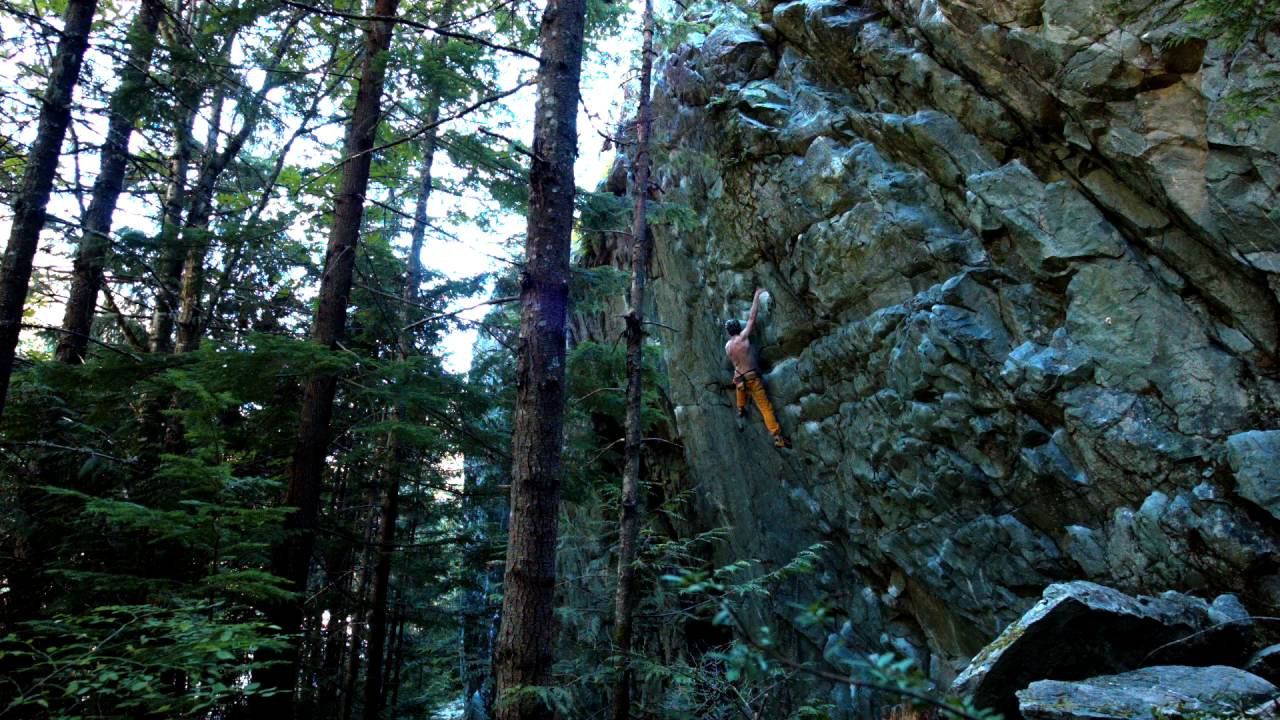 Attractive Squamish   Rug Munchers 5.11d