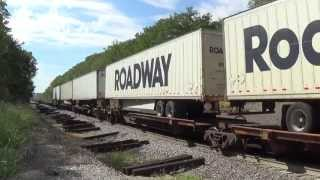 BNSF one unit wonder pulls a mostly piggyback train