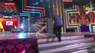 Stage show of arjit Singh and Atif aslam(1)