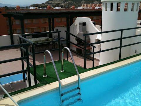 Tico con piscina privada en vera playa vera for Atico con piscina privada