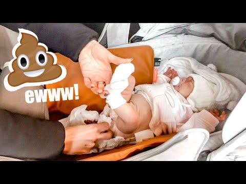 Cambio Del Pannolino Fuori Casa Con Bluebelle - Reborn Baby
