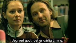 Se til Venstre Der er en Svensker (2003) - Trailer HQ - DK Version