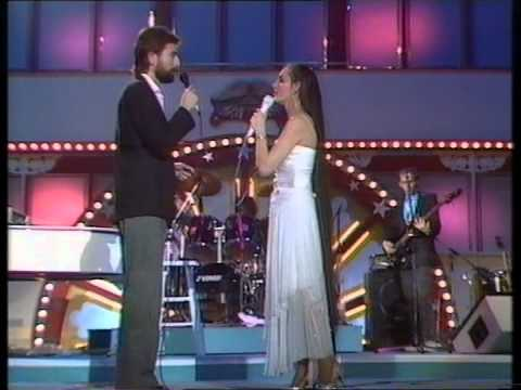 Crystal Gayle - You and I