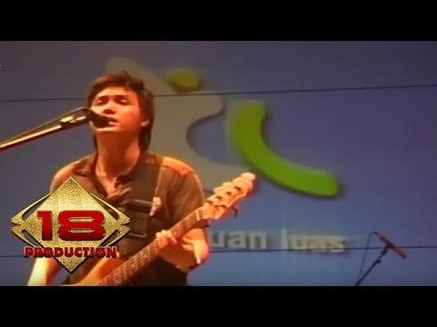 Unduh lagu Jikustik - Putri (Live Konser Banjarmasin 3 September 2007) di ZingLagu.Com
