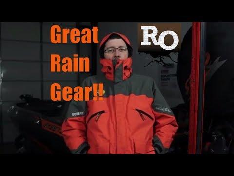 Best Fishing Rain Gear - Bass Pro Shops Pro Qualifier Gore Tex Suit - Amazing Rain Gear