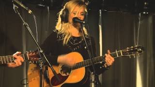 The Common Linnets - Calm After The Storm (live bij Q)