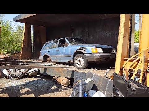 Car Crusher crushing cars 24
