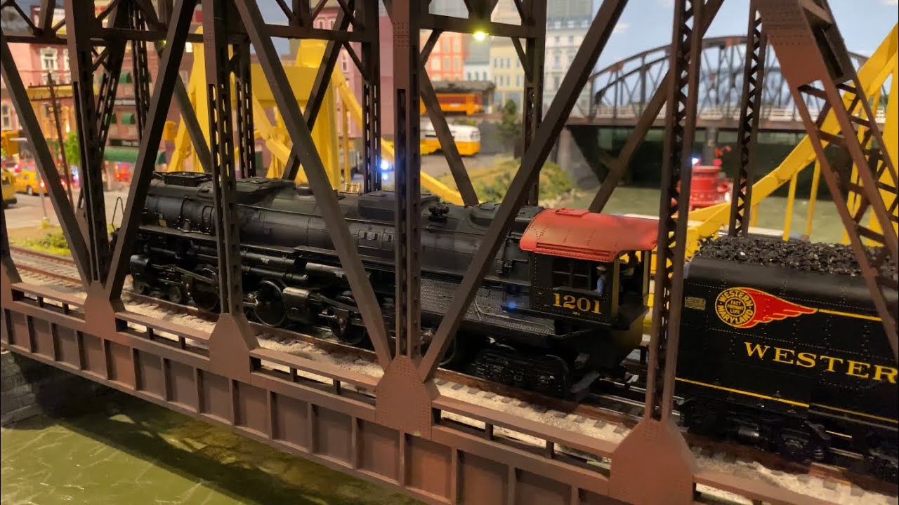 Lionel Legacy Western Maryland lionmaster Challenger slow roll out of town for the last time - YouTube