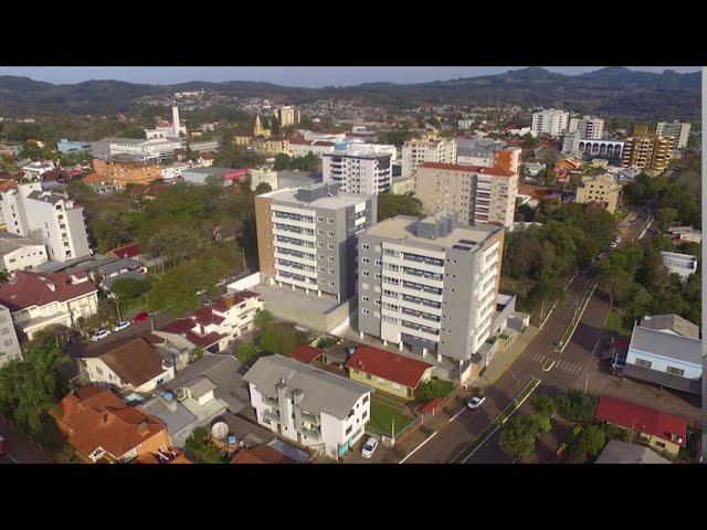 Apartamento com 3 dorm. (1 suite), 2 vagas, R$ 470 mil