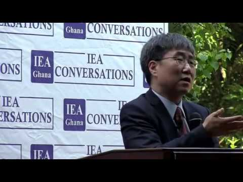 HA-JOON CHANG VISITS THE IEA