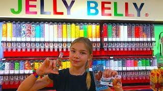 САМЫЙ ЯРКИЙ КОНФЕТНЫЙ ШОППИНГ очень много сладостей Jelly Belly Barvina Vlog
