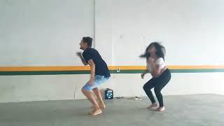 Naeliton e Joyce Grávida de 8 Meses Dançando Calypso Neném