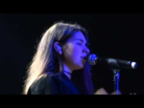 Alessia Cara - River Of Tears (Live in Amsterdam)
