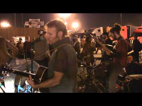 Ginger Ninjas & Kipchoge's Pleasant Revolution @ Port of Oakland shutdown,  Nov. 2, 2011