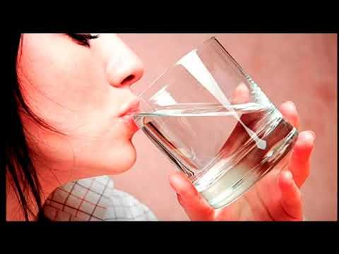 Видео: Мясников против Малышевой - Сколько пить воды
