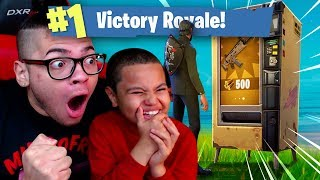 OMG *NEW* VENDING MACHINE IS INSANE! 9 YEAR OLD BROTHER COULDN'T BELIEVE THIS FORTNITE BATTLE ROYALE