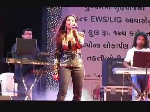 Jaadu Hai Nasha Hai Song By Shreya Goshal At Surat Night Merathon