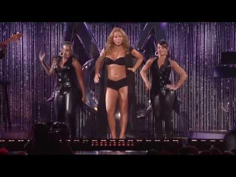 "Mariah Carey dances to Katy Perry's ""Swish Swish"""