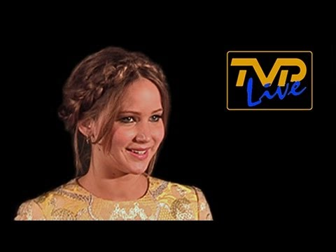 "Jennifer Lawrence ""Flubs"" at LA Film Critics Awards 2013 (Official Uncut Version)"