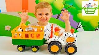 Трактор Сафари для самых маленьких / Развивающая игрушка для малышей. Обзоры игрушек с Даником(Даник в этом обзоре игрушек покажет ребятам замечательную развивающую игрушку трактор сафари от компании..., 2016-03-05T10:20:12.000Z)
