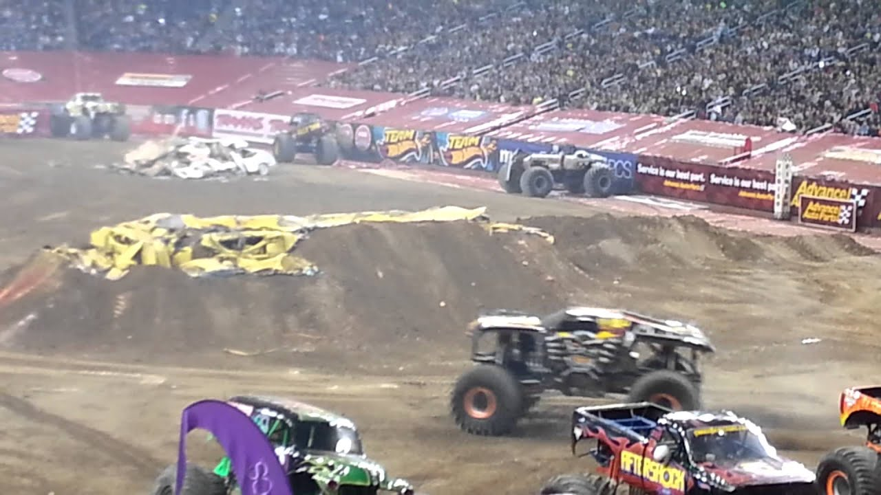 maximum destruction at monster jam ford field 2013 youtube. Black Bedroom Furniture Sets. Home Design Ideas