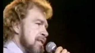 Gene Watson - 14 Carat Mind Live thumbnail