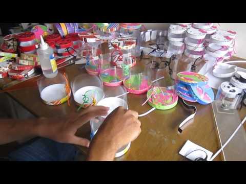Amor y amistad 2013 - San Valentin, elaborando cajitas en acetato para vender.-