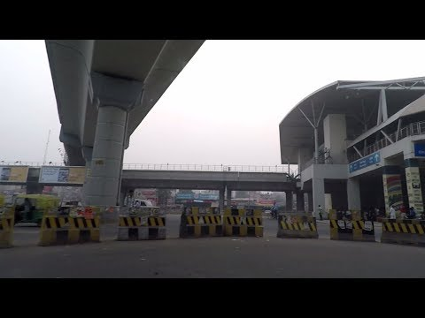 Driving in Gurgaon (DLF Phase 2 to DLF Phase 1) - Haryana, India